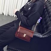 小包包女2017新款潮斜挎包休闲韩版女包百搭斜挎链条包复古小方包