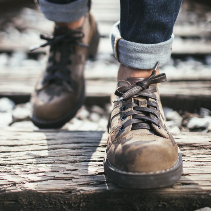 青少年潮鞋 大头工装鞋 韩版皮鞋流行男鞋男性休闲鞋圆头反绒系带
