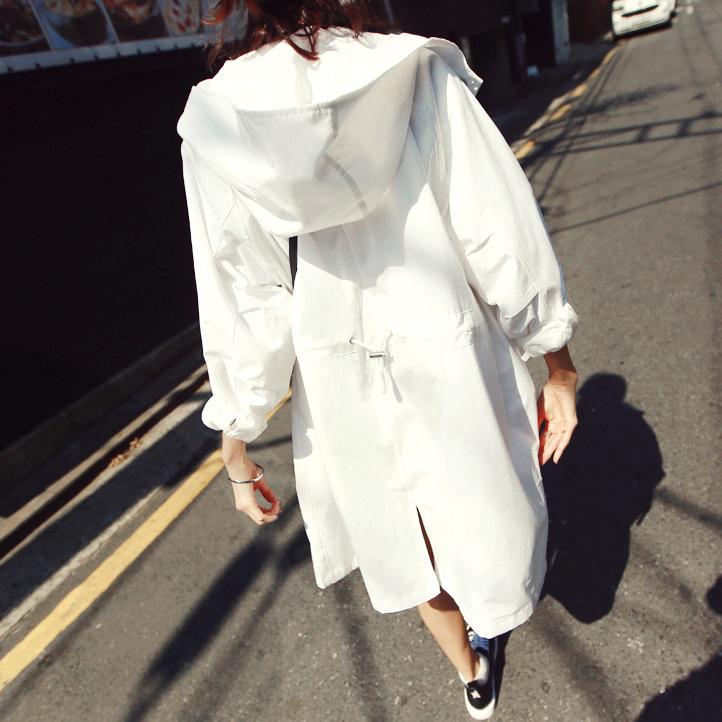 春夏韩版宽松大码连帽抽绳中白色长款风衣外套防晒