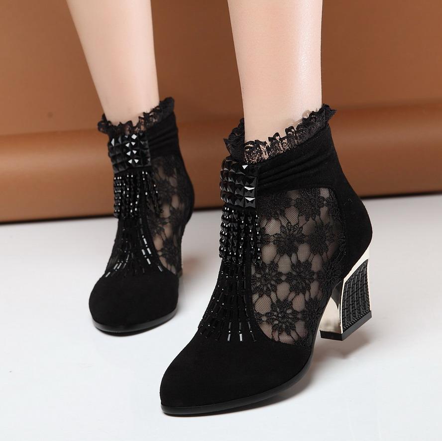 靴子[美女中弹的美女靴子踩蛋]美女图片踩人蛋正品v靴子穿图片