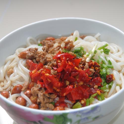 湖南米线肖妈纯手工制作的湘之味米粉产自怀化洪江安江的好米线