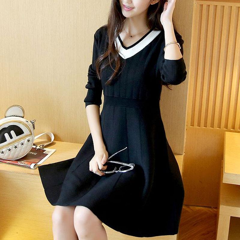 新款V领高腰显瘦毛衣裙