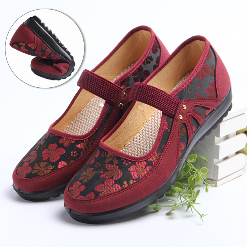 妈妈中老年人时尚春季奶奶平底老太太布鞋老北京