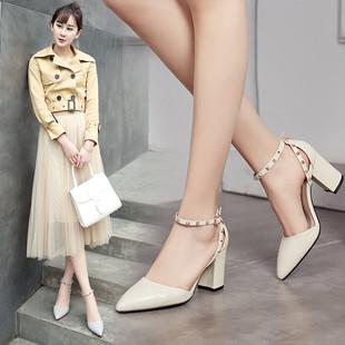 鞋子女夏2017新款黑色高跟鞋粗跟单鞋女铆钉尖头鞋白色小码皮鞋女