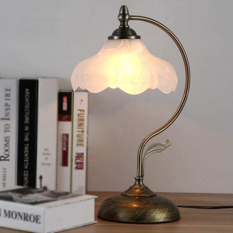 现代简约创意欧式台灯卧室床头客厅灯可调光温馨护眼