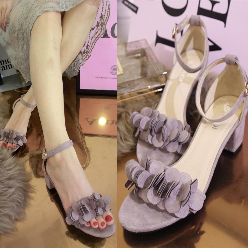 涼鞋一字扣露趾粗中跟甜美夏季女鞋花朵