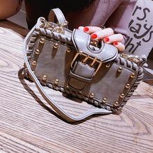 2017新款女包韩版小方包铆钉夹子链条包斜跨小包包手提单肩斜挎包