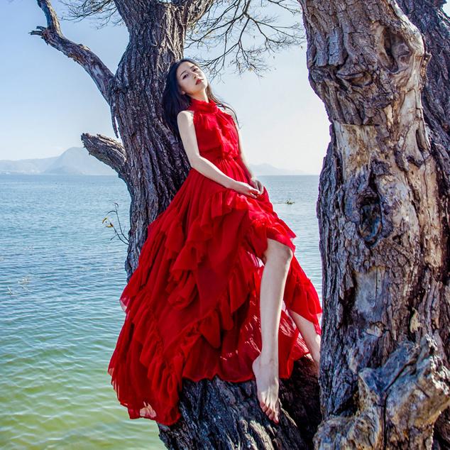 马尔代夫红色森女不规则大摆荷叶边蛋糕裙度假海边沙滩雪纺连衣裙