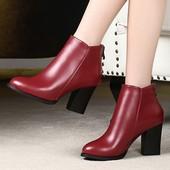 优足达芙妮女靴子春秋英伦真皮粗跟短靴女圆头高跟马丁靴单靴 特价