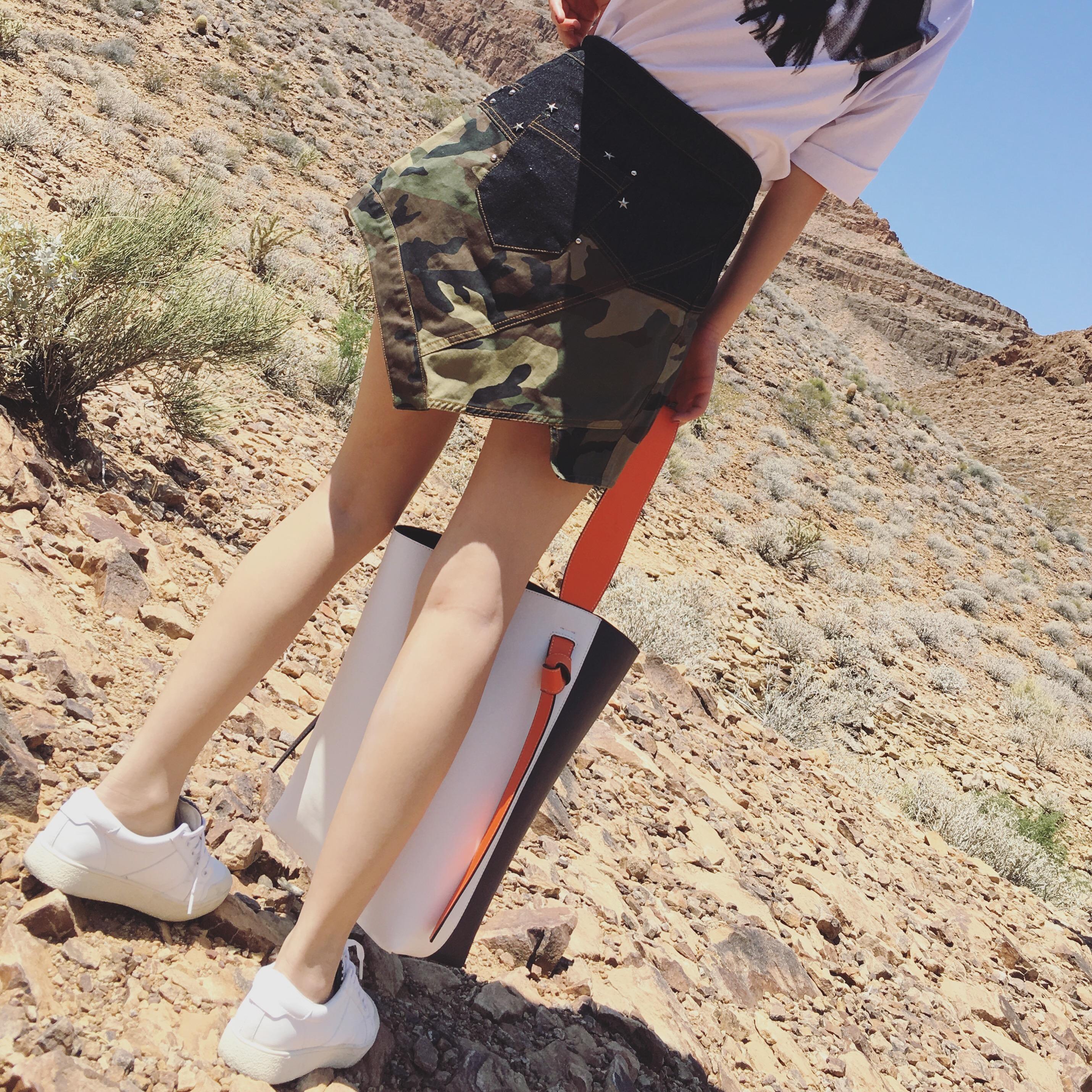 2018年夏季时尚新潮女士短裙搭配图片大全
