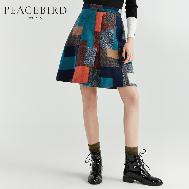 太平鸟女装冬季新款时尚高腰格子毛呢印花短裙半身裙 拼接A字裙