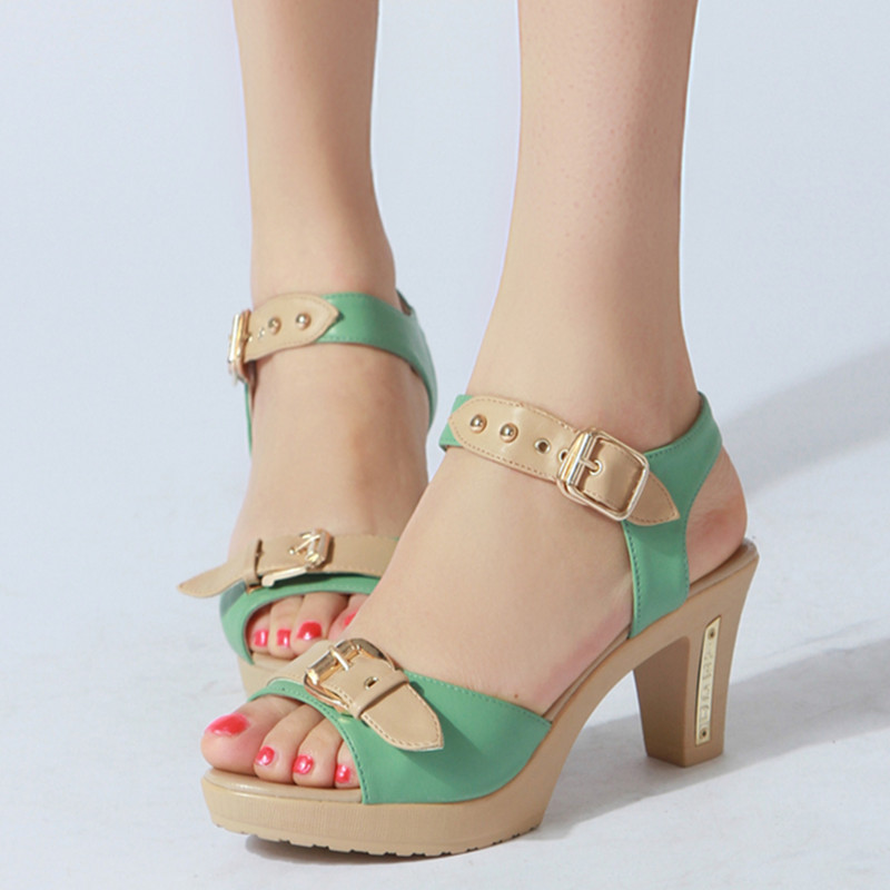 妈妈凉鞋枫叶中跟鱼嘴鞋剪刀韩国中年休闲时尚女鞋牌小真皮图片