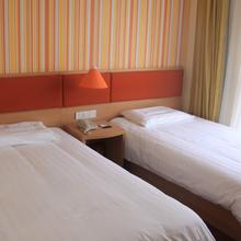 苏州三香西环路地铁站店标准双床房